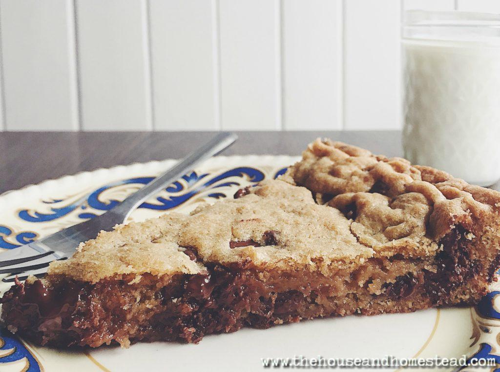 Slice of skillet cookie