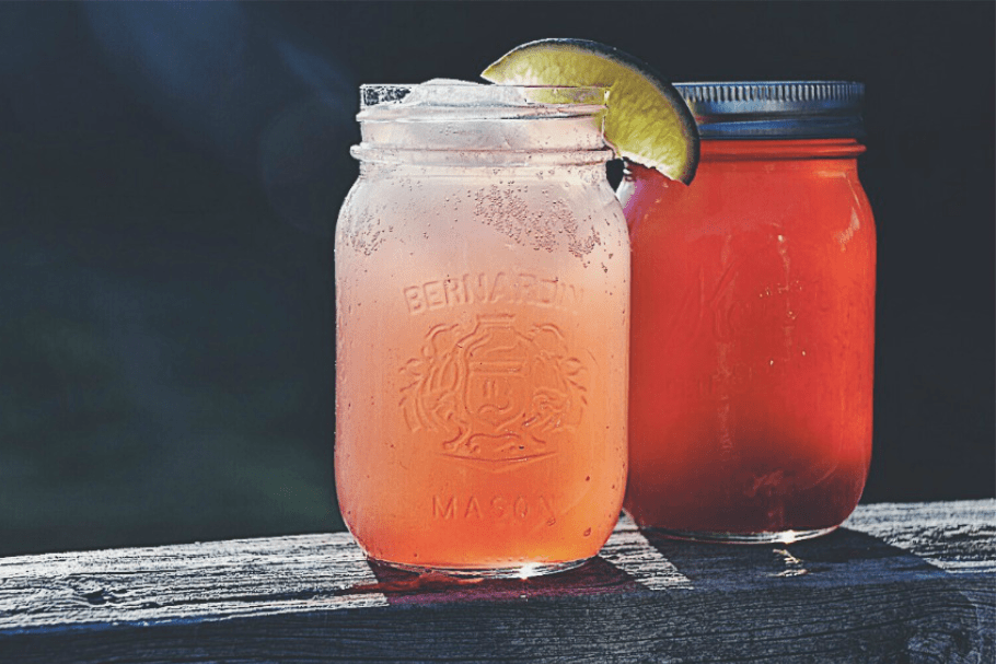 This rhubarb juice concentrate is excellent used as a base for rhubarb soda, rhubarb-flavoured lemonade and iced tea, rhubarb cocktails, rhubarb popsicles and much more! Use fresh rhubarb to create this simple rhubarb syrup and preserve it to last all year long! #rhubarbconcentrate #rhubarbjuice #rhubarbnectar #rhubarbrecipes