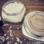 These DIY bath salts with essential oils are an all-natural, quick and easy homemade gift that you can throw together in just a couple minutes. Great for last-minute gifts or a frugal way to pamper yourself! #essentialoilbathsalts #diybathsalts #homemadebathsalts #easyhomemadegifts #lastminutegiftideas #lastminutehomemadegifts