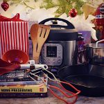 The 2019 Modern Homesteader's Christmas Wish List showcases 40+ fun and functional Christmas gifts that are perfect for the home cook, gardener, and modern homesteader in your life. #homesteaderschristmaswishlist #giftsforhomesteaders
