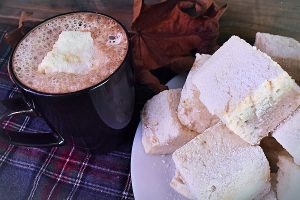 Homemade Marshmallows With Vanilla & Maple Syrup