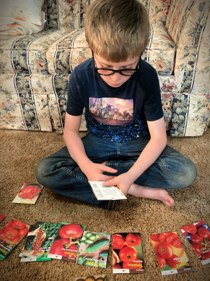 Homeschooling is becoming the new normal thanks to COVID-19. Here are some tips to help you incorporate homeschooling into your daily homesteading routine. #homesteadhomeschooling #homeschoolingonthehomestead