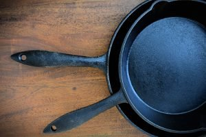 7 Benefits of Cooking With Cast Iron